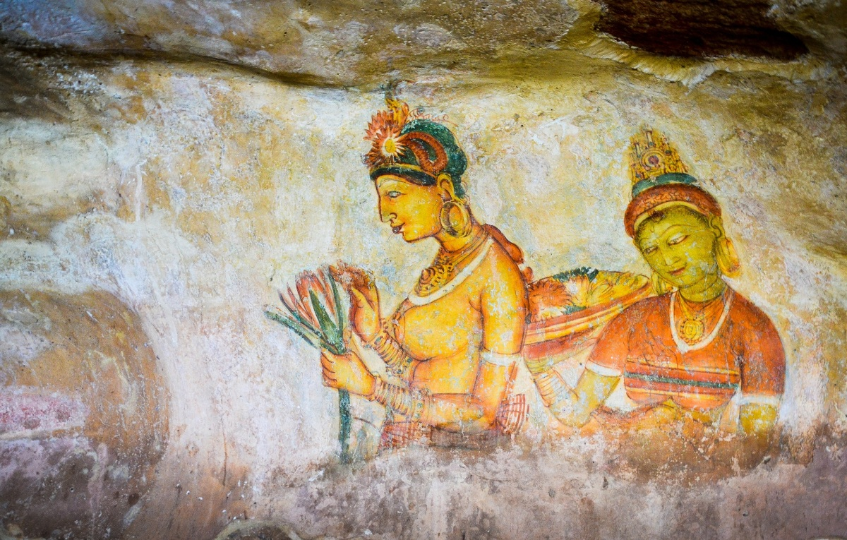 Sigiriya:  Mirror wall, Frescos and Lion's paws