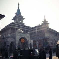 Shah-e-Hamdan Sree is Travelling (1)