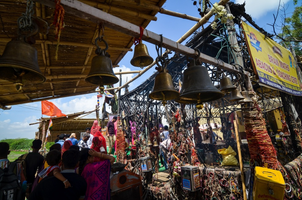 Bullet Baba Temple – Sree is travelling (1)