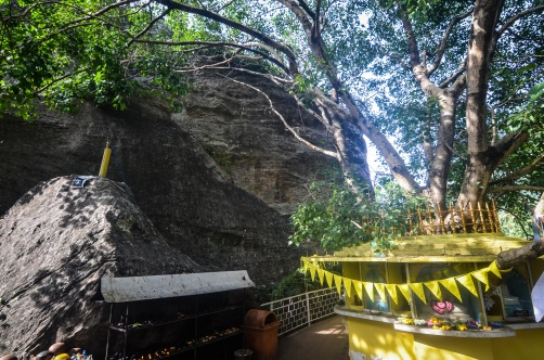 Aluvihara cave temples, sree is travelling (21)