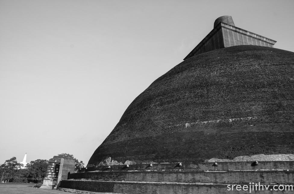Picture of Jethawanaramaya dagoba, Anuradhapura, Sri Lanka (9)