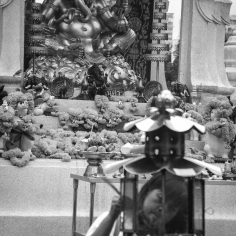 Image of praying at Erawan Shrine, Bangkok (6)