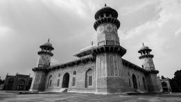 Minarets of Tomb of Itimad-ud-Daulah