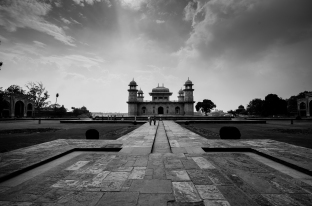 Tomb of Itimad-ud-Daulah at Agra
