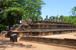 Audience Hall, Polonnaruwa